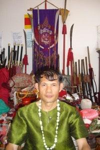 Kru Kung krabi-krabong teacher of kru Pedro (phramajarn Ari lineage)